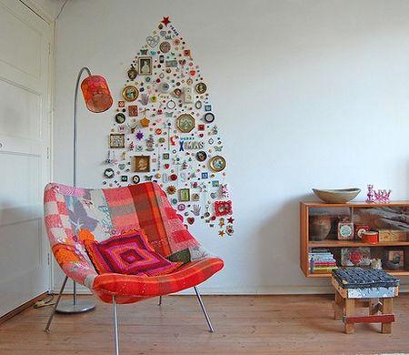 коледна елха на стената